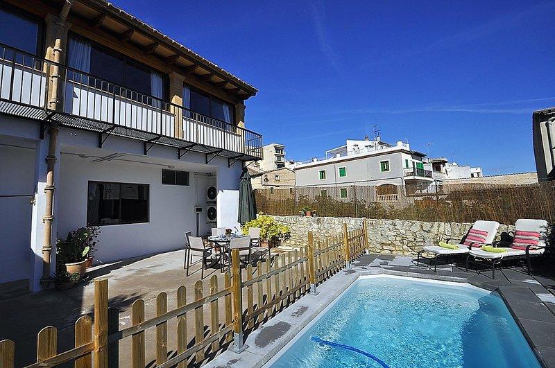 Town house CA N'ANTONIA COSTA in Montuiri Center for 8 people with private pool-, alquiler de vacaciones en Sant Joan