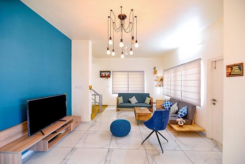 Agastya Villa by vista rooms, holiday rental in Bagalkot District