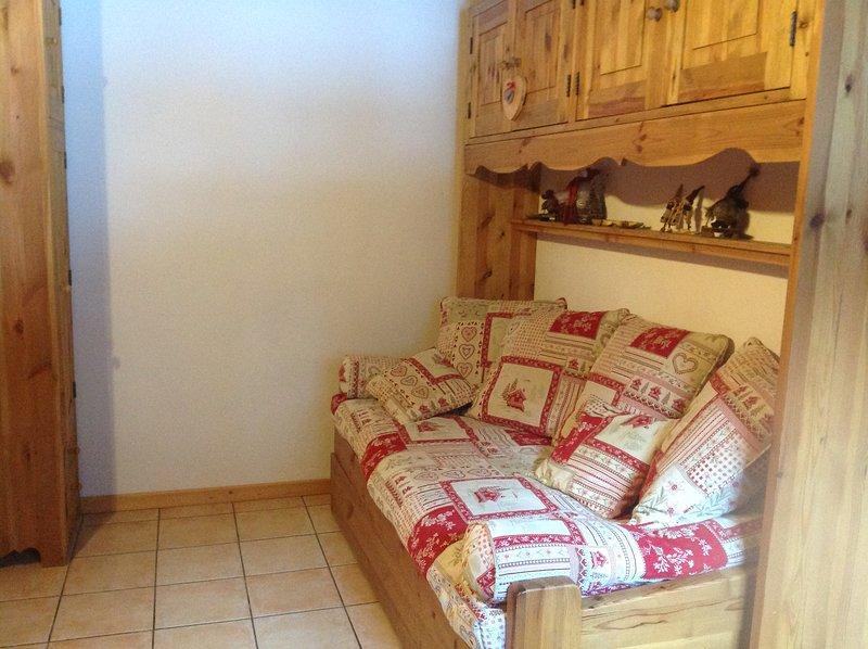 Apartment with mountain view, casa vacanza a Nancroix