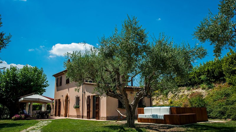 Independent house with Spa pool, holiday rental in Stacciola