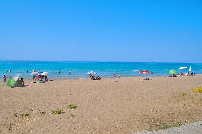 Yannis - Holiday Apartments on Agios Gordios Beach in Corfu, holiday rental in Pentati