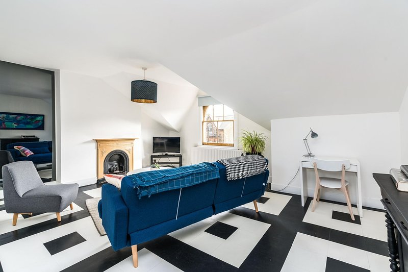 NEW Amazing 1 Bedroom Flat in Trendy Highbury, vacation rental in Harringay