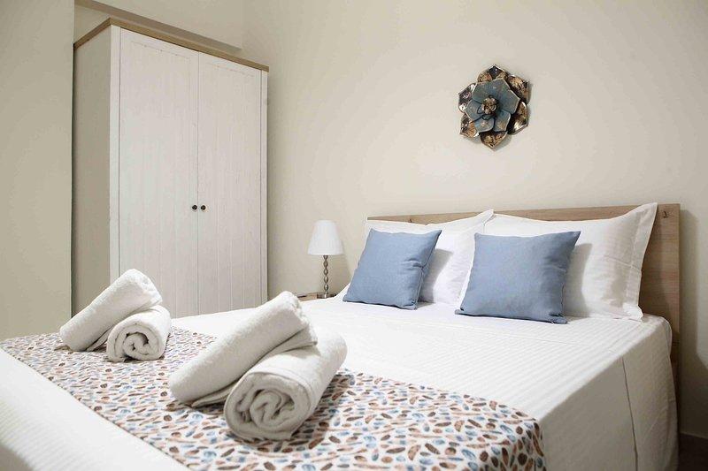 Best House, Anakreontos, Perivolaki, Nikaia, P..., holiday rental in Piraeus Region