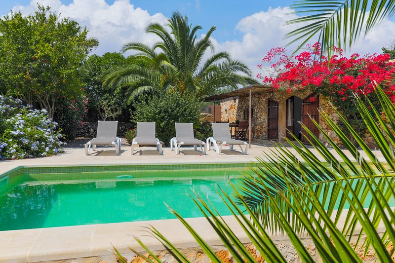 Andreu, 2 bedrooms house with private pool, holiday rental in Es Llombards