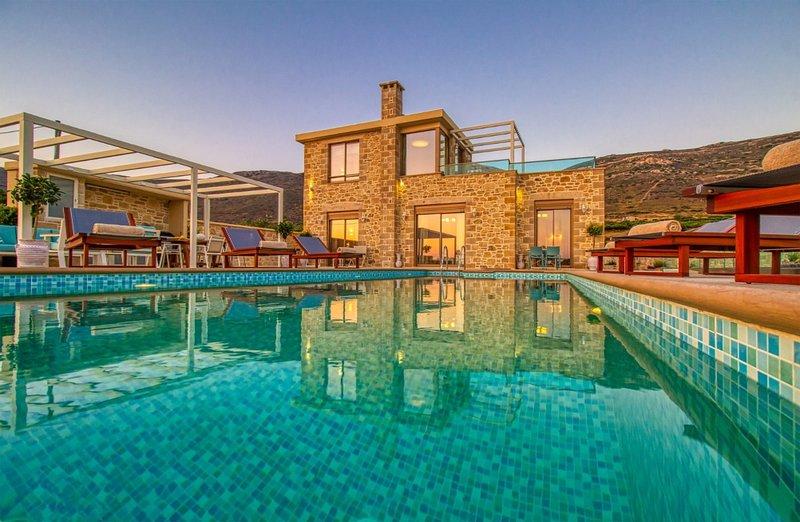 Brand new villa Kore, saltwater heated pool, indoor jacuzzi, sea & sunset view, holiday rental in Falassarna