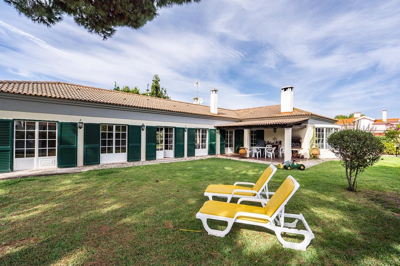 Miro Villa, Meco, Sesimbra, holiday rental in Sesimbra