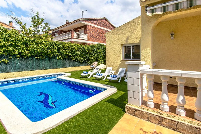 Amazing villa with swimming-pool, aluguéis de temporada em Calafell