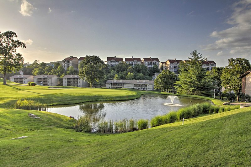 Ubicado en Branson, este establecimiento se encuentra en un campo de golf cerca del lago Taneycomo.