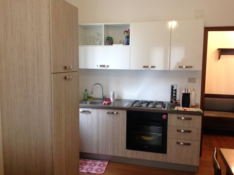 Nice apartment with balcony, vakantiewoning in Quiliano