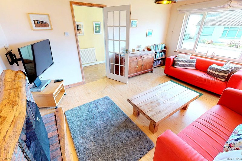 CROYDE NAUWAI | 2 Bedrooms - ('Näuwai ('na-why') means 'your water'), holiday rental in Braunton