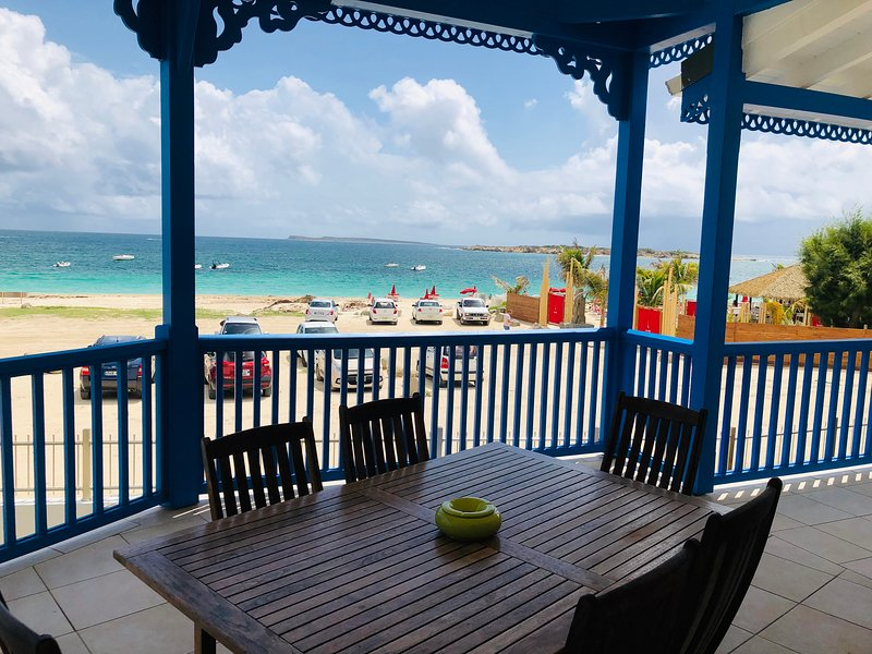 TIMOON - Beautiful Seaview on Orient Beach - 2 bedrooms!, holiday rental in Orient Bay