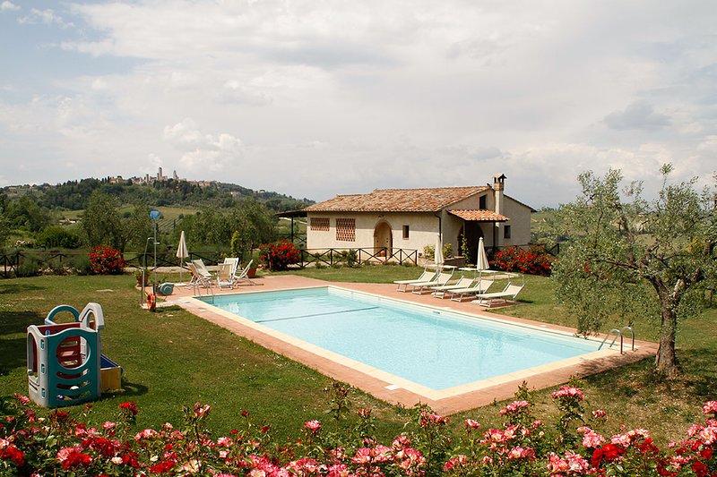 villa in campagna a san gimignano, location de vacances à Bibbiano