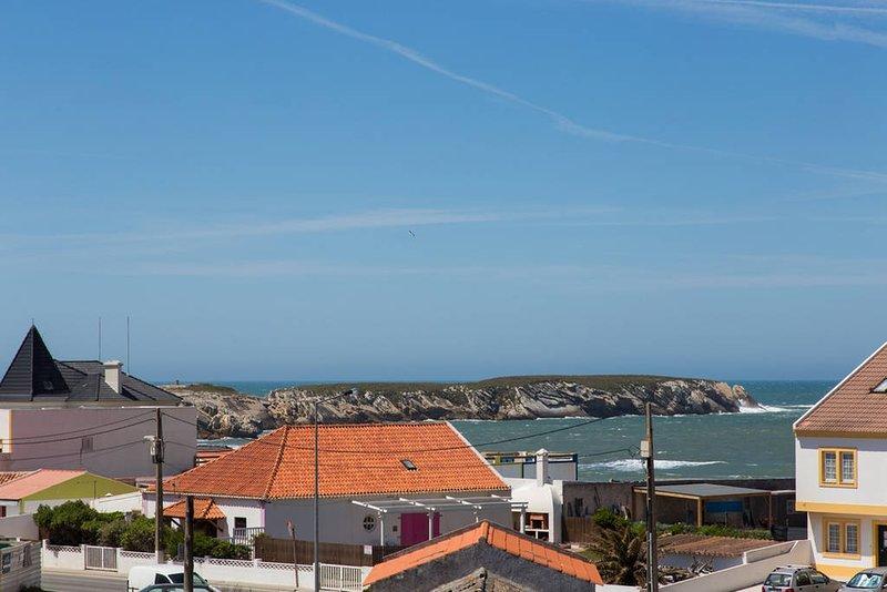 Apartamento Surf Peniche con Vistas al Mar, alquiler vacacional en Ferrel