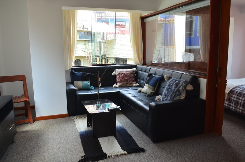 CONDOR SUITES Brand New Stylish Modern Apt (C-3), holiday rental in Lamay