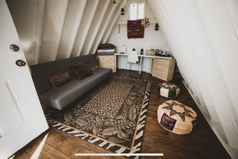 Tiny A-Frame Glamping Shed On The Mountain, holiday rental in Mount Pleasant