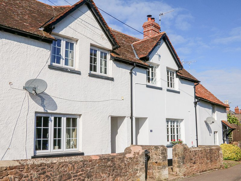 3 Elm Cottage, Carhampton, vacation rental in Luxborough