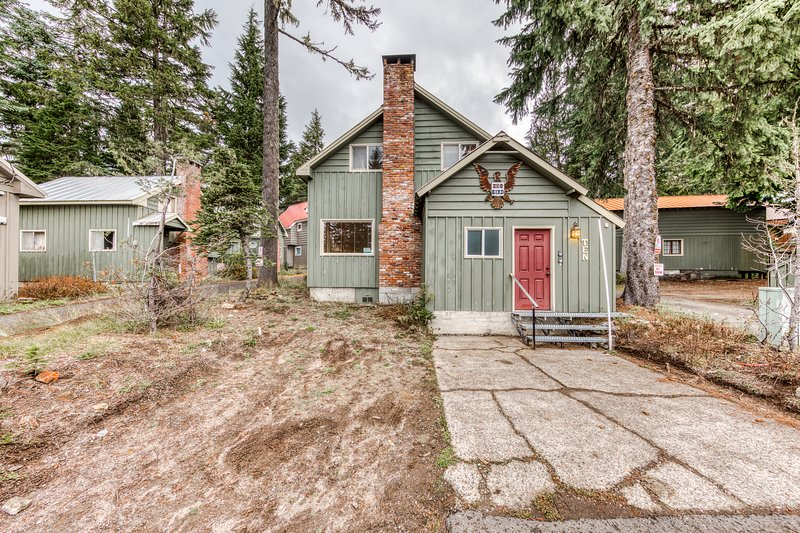 Cozy pine interior home in the heart of Government Camp!, holiday rental in Timberline Lodge