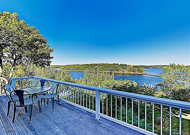 New Listing! Hilltop Waterfront Retreat w/ Stunning Views - Near Beach, holiday rental in Georgetown