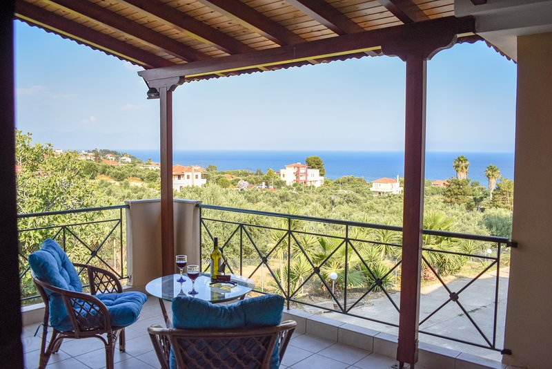 Asini/ Amazing sunsets close to the beach, vacation rental in Koroni