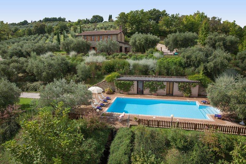 Mercanzie Villa Sleeps 12 with Pool and WiFi - 5604872, alquiler vacacional en Montelaguardia