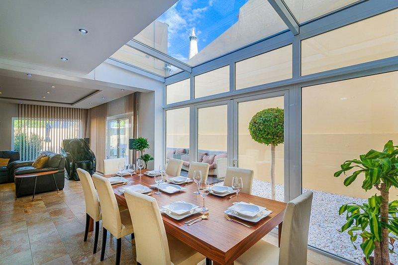 Branqueira Villa Sleeps 8 with Pool and Air Con - 5809883 – semesterbostad i Branqueira