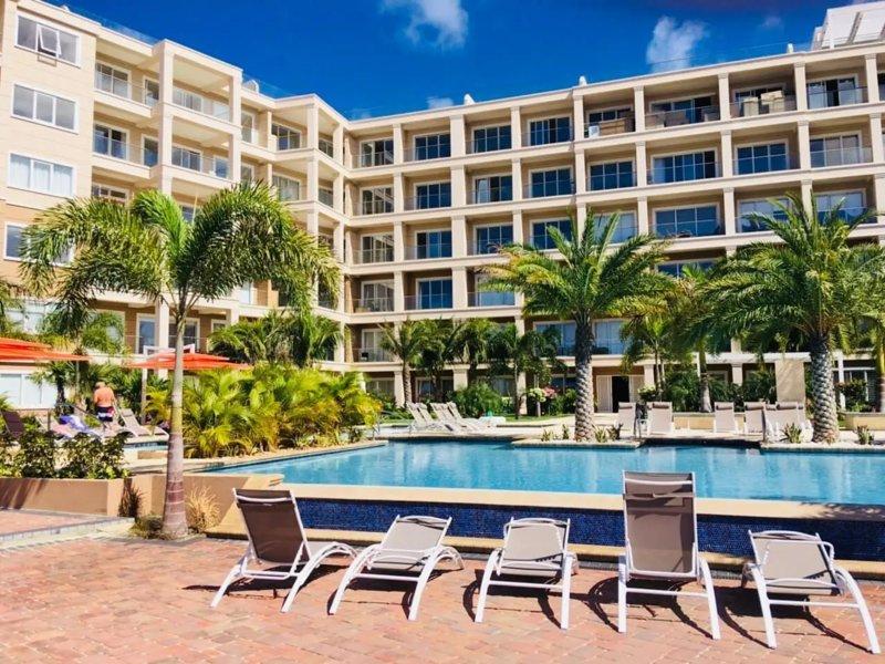 LUXURY APARTMENT IN EAGLE BEACH LEVENT, location de vacances à Aruba