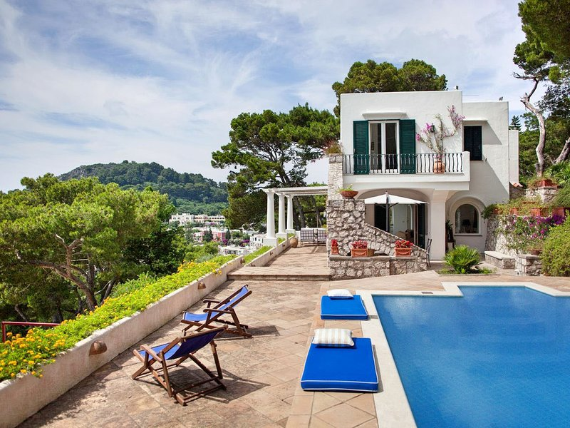Capri Villa Sleeps 13 with Pool Air Con and WiFi - 5248142, casa vacanza a Marina Grande