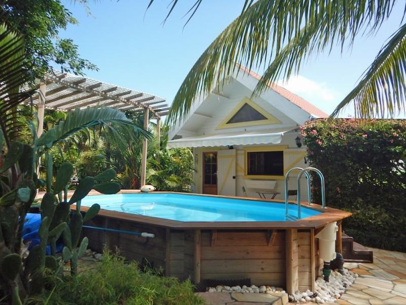 Amazing chalet with swimming-pool, alquiler de vacaciones en Le Vauclin