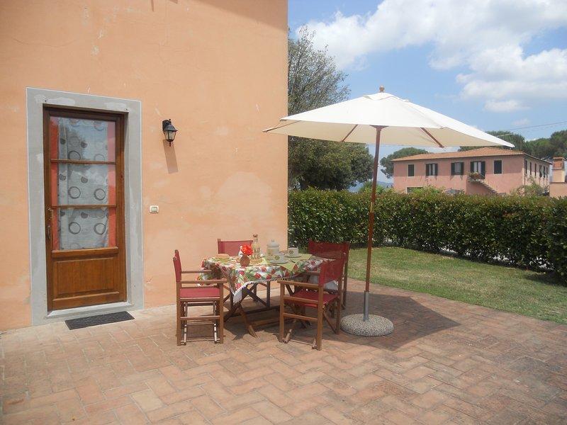 Appartamento TORRACCIA I - Agriturismo Corte in Poggio, vakantiewoning in Cerreto Guidi