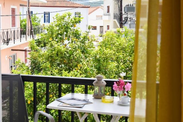 Lemon studio with garden close to the beach, holiday rental in Tapia