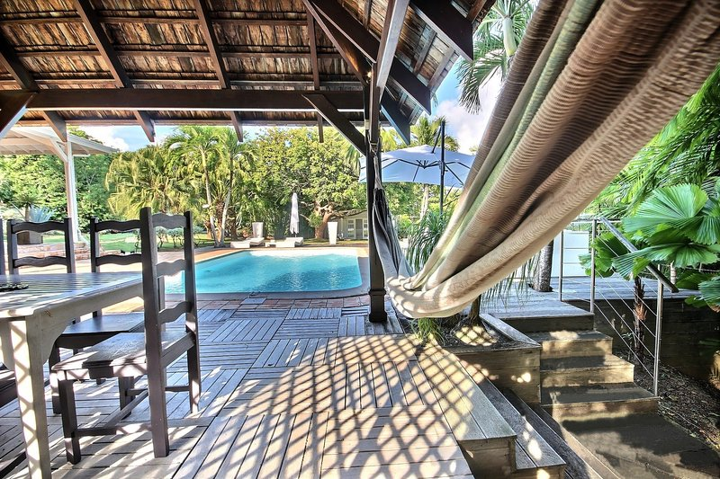 Magnificent 4 bedroom villa, large pool, relaxing space
