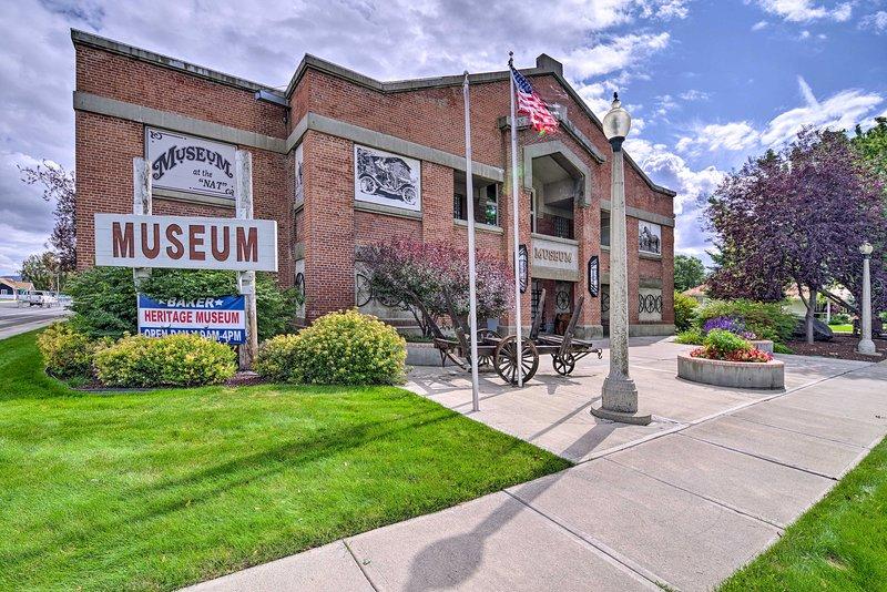 Pase por el Baker Heritage Museum para aprender algo de historia local.