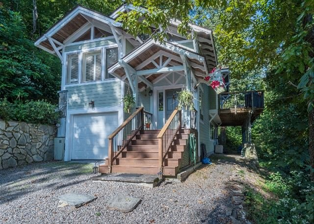 Royal View | Tree top house with long distance views!, vacation rental in Old Fort