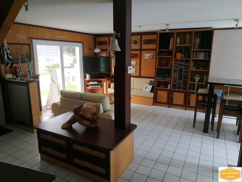 Gîte + Espace piscine chauffée et privatif, alquiler de vacaciones en Sulniac
