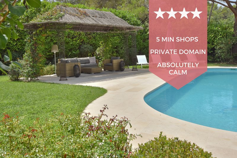 ❤️ RARE ❤️ Custom-built villa within private estate ❤️ 5 bedrooms, vacation rental in Mougins