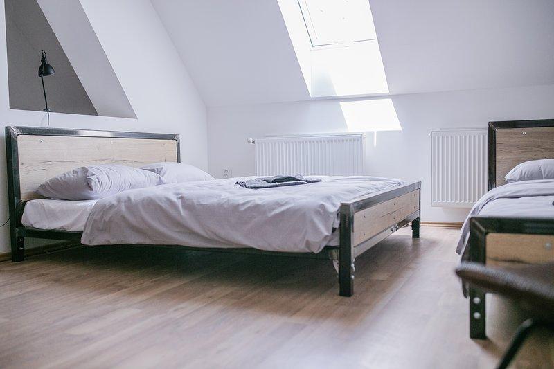 Schöndorf Hostel 304, vacation rental in Ivanka pri Dunaji