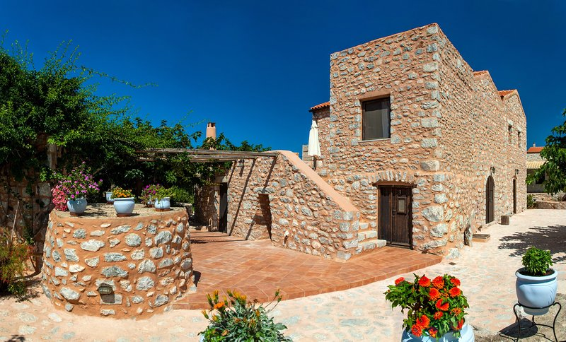 Stone built apartment up to 4,Olive Grove,Near Beach,Mani 4, holiday rental in Omales