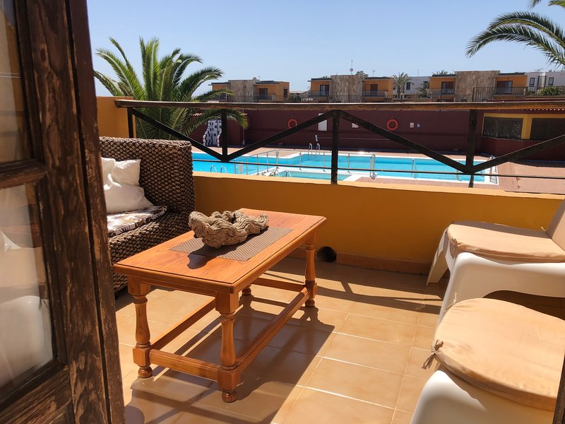 Lovely apartment with sea and swimming pool views in gated complex, vacation rental in Nuevo Horizonte