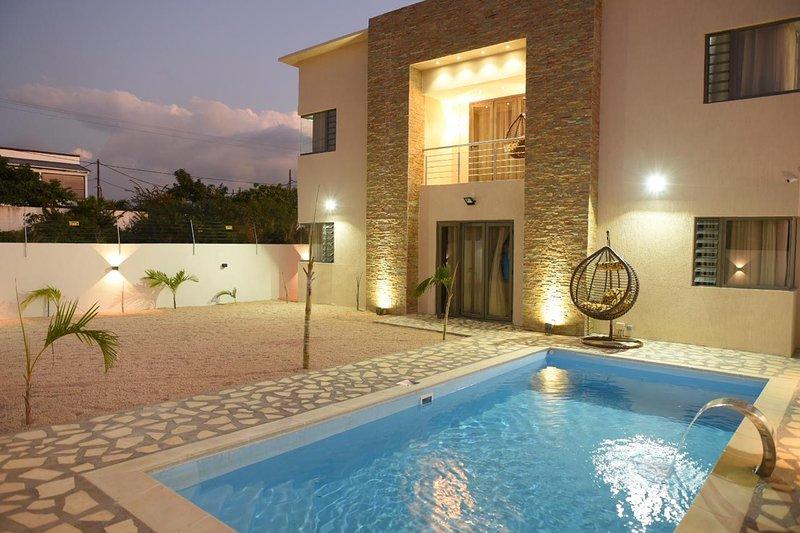 Villa Palmera (5 mins from city center & beaches), aluguéis de temporada em Mapou