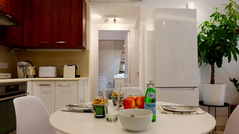 Una cucina ben organizzata nell'appartamento ti darà la possibilità di preparare i tuoi piatti a 5 stelle