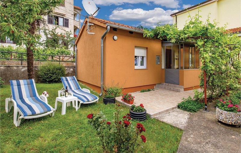 Amazing home in Rijeka with WiFi and 1 Bedrooms (CKO677), alquiler de vacaciones en Marinići