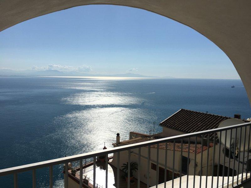 Panoramic Amalfitan Coast Hideaway, holiday rental in Vietri sul Mare
