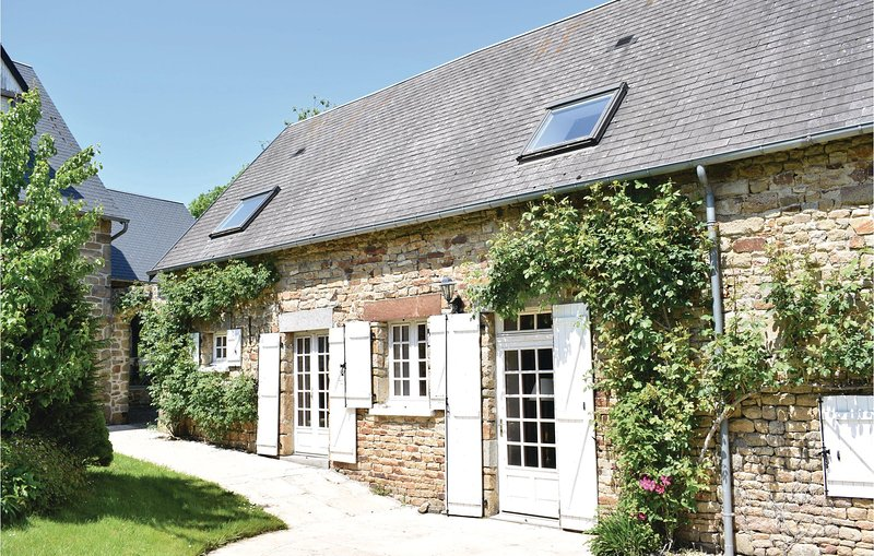 Beautiful home in St. Pierre Langers with WiFi and 2 Bedrooms (FNM258), holiday rental in La Lucerne-d'Outremer