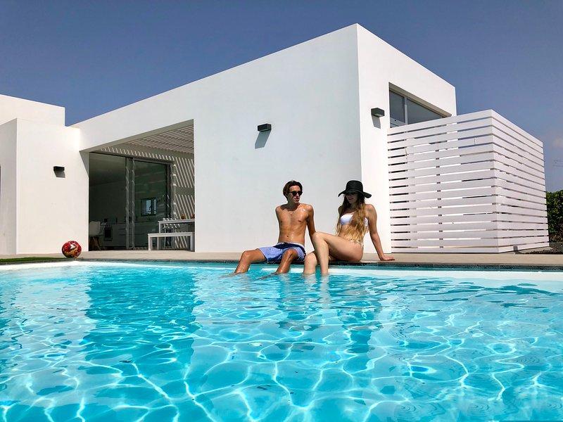 VILLA TURQUESA 2 - LUXURY, MODERN, BEST LOCATION !!, holiday rental in Lajares