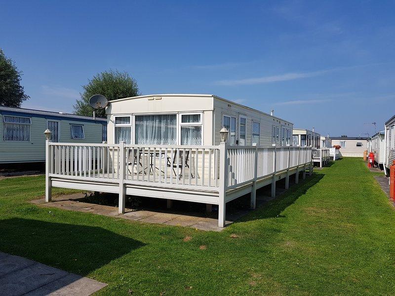 8 berth 3 bedroom caravan tp58, casa vacanza a Chapel St. Leonards