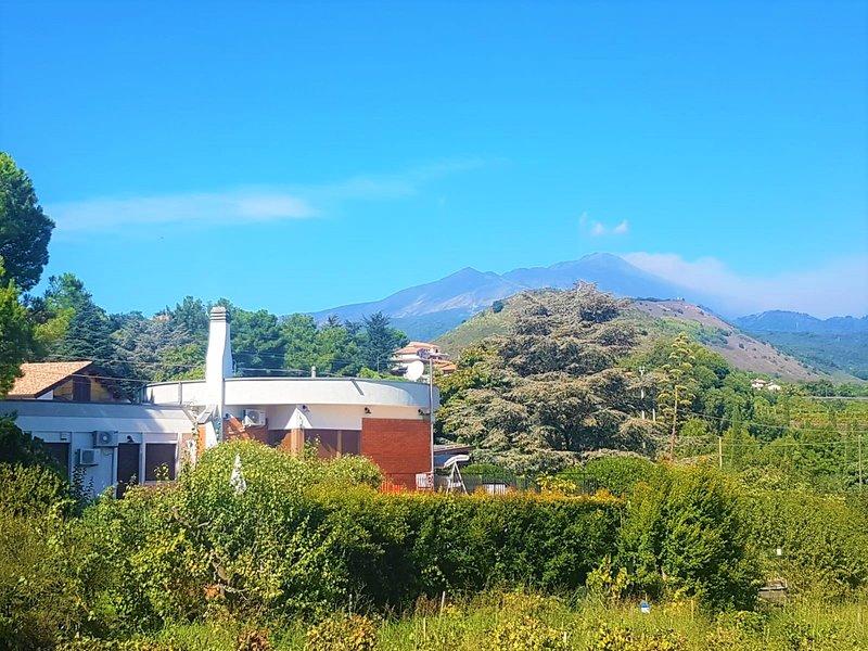 Etna/Taormina area! VillaEtna Cozy Panoramic Villa & Pool heated!, vacation rental in Taormina