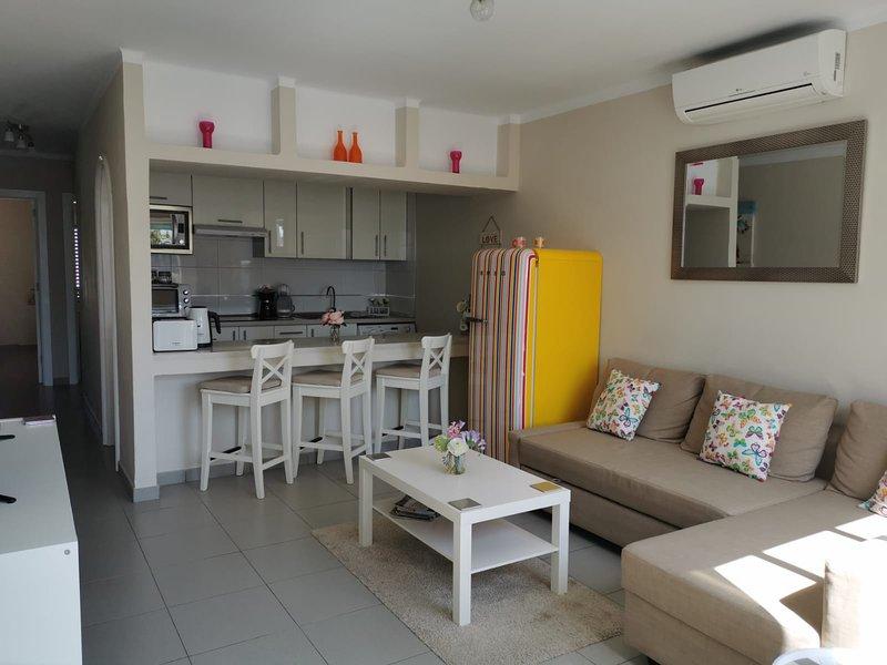 Bandama 17 - 2 Bedroom Refurbished Bungalow Situated On a Small Private Complex, aluguéis de temporada em Puerto Del Carmen