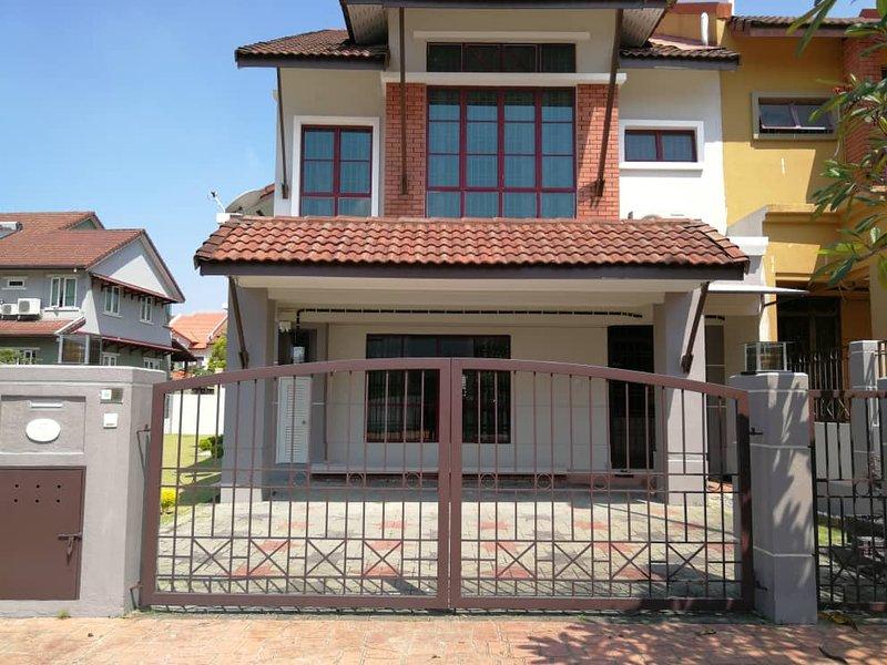 Petaling Jaya Homestay Malaysia Spacious Clean Cozy Comfortable 舒适干净民宿, holiday rental in Petaling Jaya