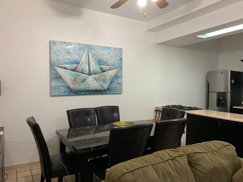 BEAUTIFUL CONDO with access to the beach, holiday rental in Guaymas