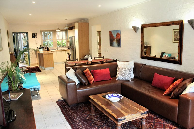 7 The Village, Beach Apartment, Hout Bay, Cape Town, holiday rental in Hout Bay